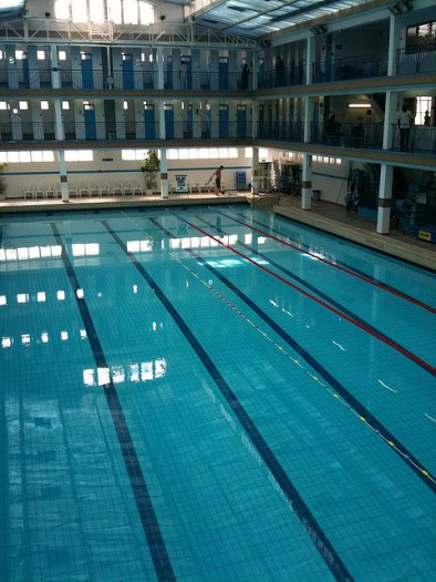 Vingt paris piscine pontoise for Piscine pontoise
