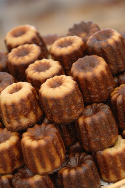 IMAGE: Photo showing Canelé cakes in a Bordeaux bakery